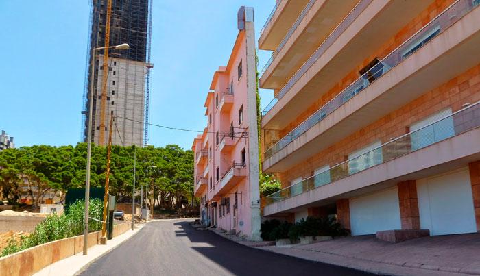 Este Hombre Construyó Probablemente La Casa Más Estrecha De Beirut Para Bloquear Las Vistas Al Mar De Su Hermano