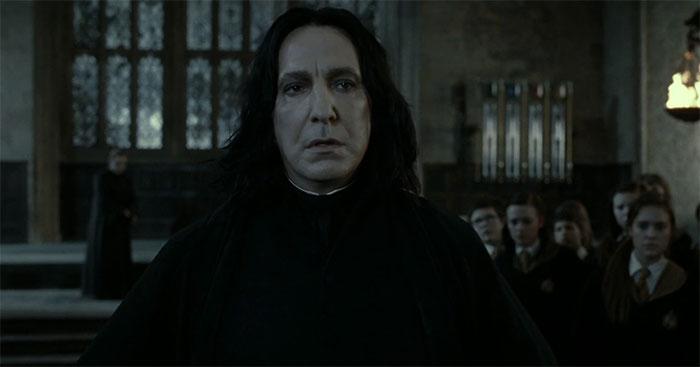 Cuando Harry Le Grita Por Haber Matado A Dumbledore, Él Se Queda Ahí Sin Más Sintiéndose Culpable