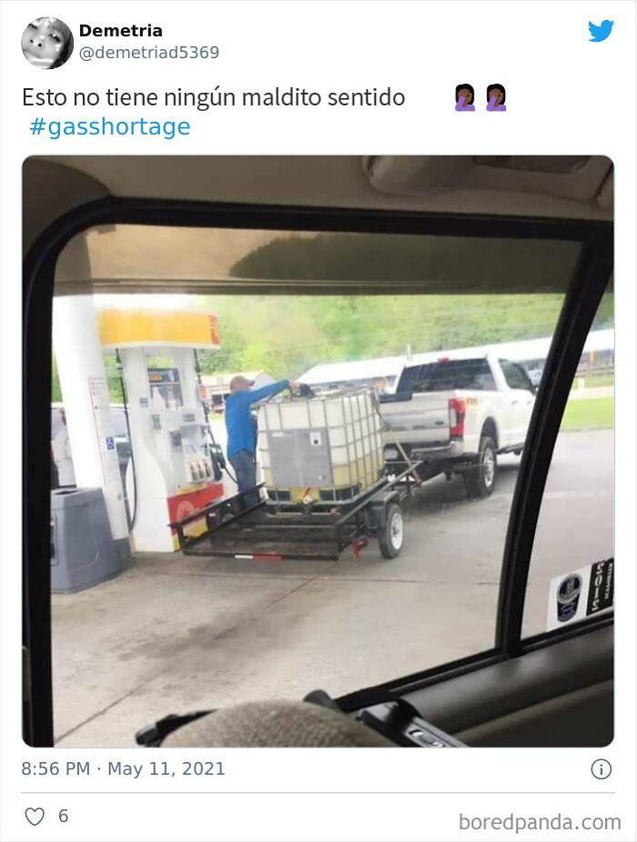 Llenan contenedores del tamaño de un jacuzzi con gasolina